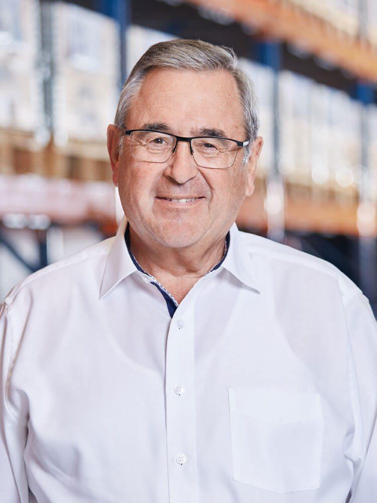 Alfred Schneider, Vertriebsinnendienst